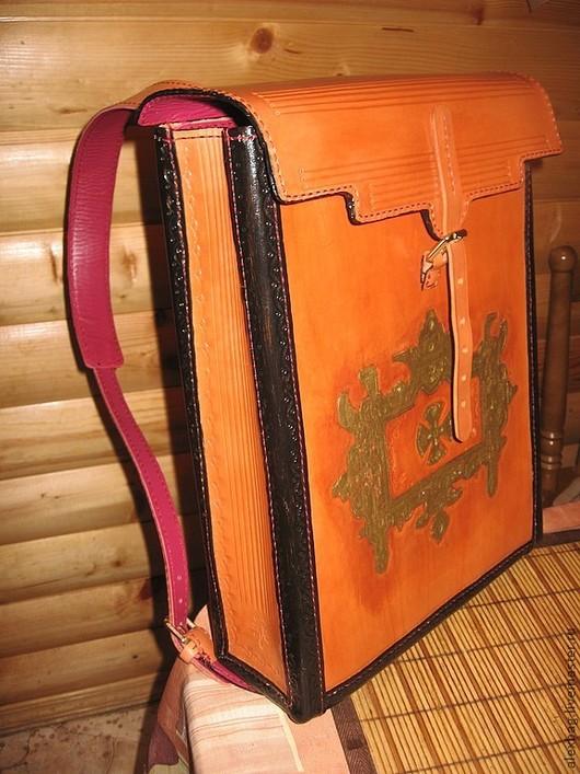 Рюкзаки ручной работы. Ярмарка Мастеров - ручная работа. Купить Кожаный ранец тиснение, позолота. Handmade. Рыжий, рюкзак кожаный