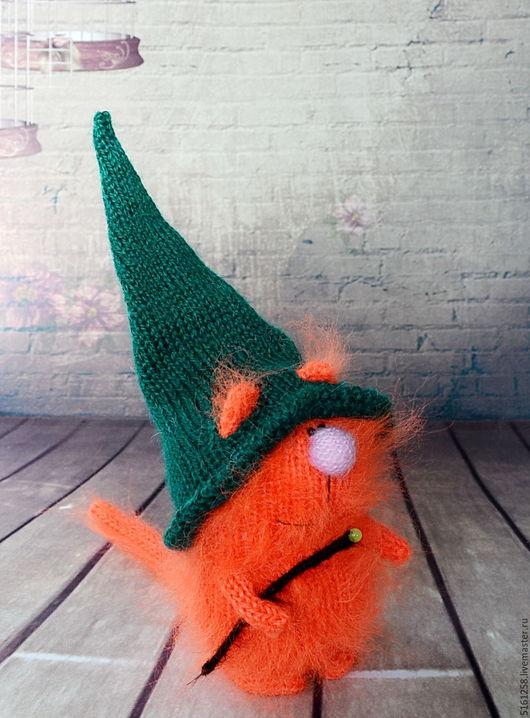 """Миниатюра ручной работы. Ярмарка Мастеров - ручная работа. Купить Кот """"Чародей""""  вязаная игрушка спицами кот пушистик хеллоуин. Handmade."""
