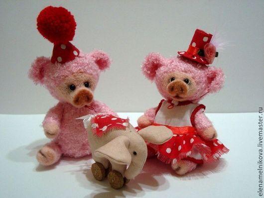 Игрушки животные, ручной работы. Ярмарка Мастеров - ручная работа. Купить Вязаные свинки ( Нюся и Борюсик ). Handmade.