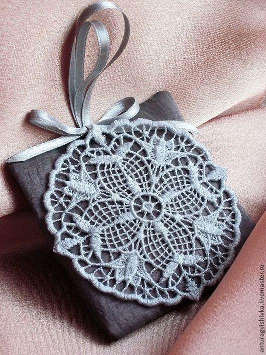 Ароматическое саше Снежинка -  отличный новогодний подарок