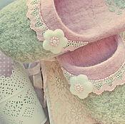 """Обувь ручной работы. Ярмарка Мастеров - ручная работа Валяные тапочки по мотивам """"Нежнее нежного"""". Handmade."""