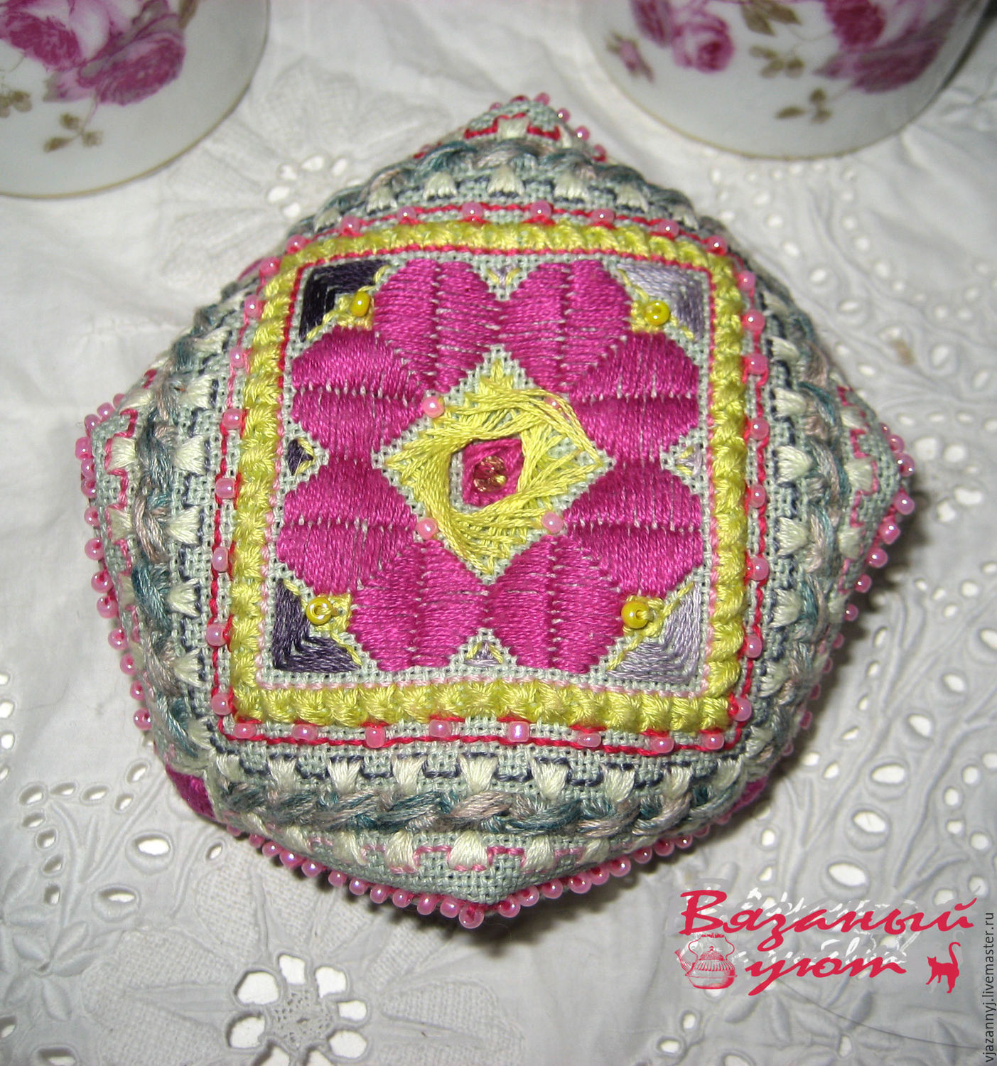 A sachet of rose petals in the shape of a vintage biscornu, Aroma Sachet, Moscow,  Фото №1