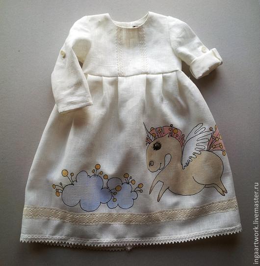 """Одежда для девочек, ручной работы. Ярмарка Мастеров - ручная работа. Купить Льняное детское платье """"И только лошади...."""". Ручная роспись.. Handmade."""