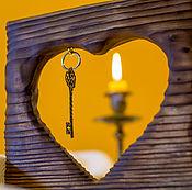 Подарки к праздникам ручной работы. Ярмарка Мастеров - ручная работа Деревянное декоративное панно «Ключ от сердца». Handmade.