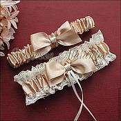 Свадебный салон ручной работы. Ярмарка Мастеров - ручная работа Комплект подвязок в цвете беж. Handmade.
