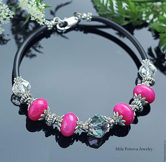 Яркий браслет чокер с малинового цвета нефритом_Малиновый рассвет_летний, модный, игривый.