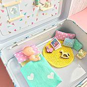 Кукольные домики ручной работы. Ярмарка Мастеров - ручная работа Мини домик для 2-х кукол в жестяном чемоданчике. Handmade.