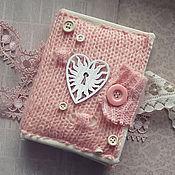 Блокноты ручной работы. Ярмарка Мастеров - ручная работа Нежный вязаный блокнот. Handmade.