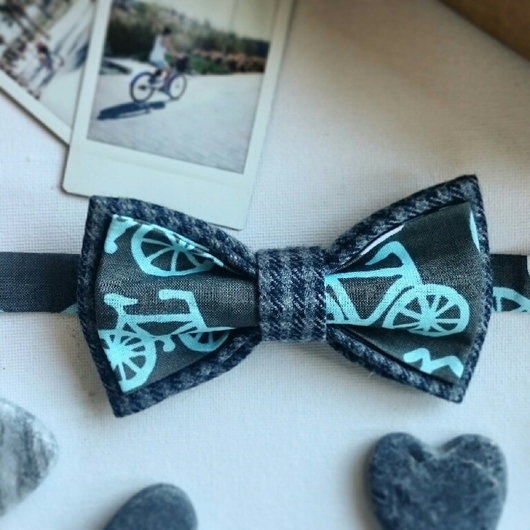 Галстуки, бабочки ручной работы. Ярмарка Мастеров - ручная работа. Купить Двусторонняя галстук-бабочка 'Я буду долго гнать велосипед'.. Handmade.
