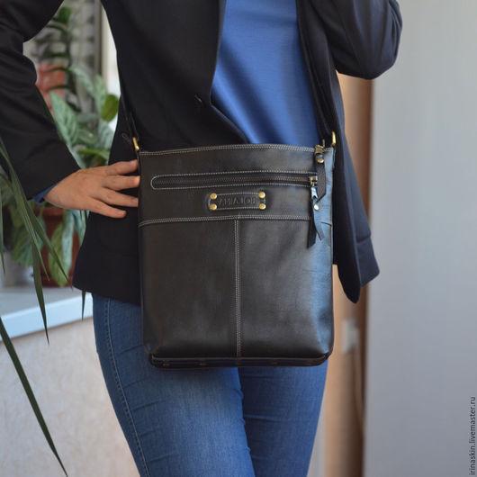 кожаная сумка черная, кожаная сумка на плечо, Ирина Болдина, кожаный планшет черный, кожаная сумка планшет, кожаная сумка на каждый день