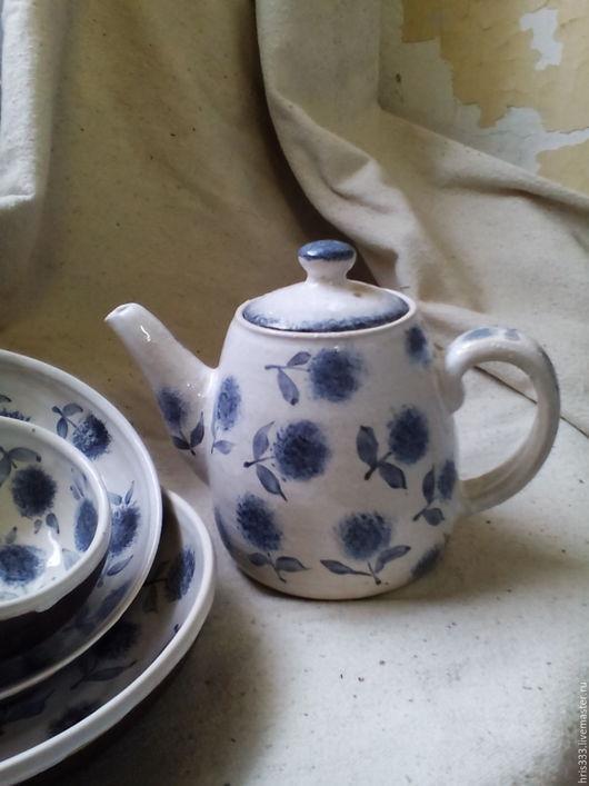 """Чайники, кофейники ручной работы. Ярмарка Мастеров - ручная работа. Купить Чайник """"Голубые цветы"""". Handmade. Гончарная керамика, белый"""
