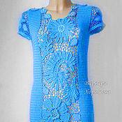 Вязанное крючком платье с кружевными вставками