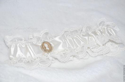 Одежда и аксессуары ручной работы. Ярмарка Мастеров - ручная работа. Купить Свадебная подвязка невесты. Handmade. Бежевый, подвязка свадебная