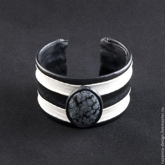 Браслеты ручной работы. Ярмарка Мастеров - ручная работа. Купить Черно-белый кожаный браслет со снежным обсидианом. Handmade.
