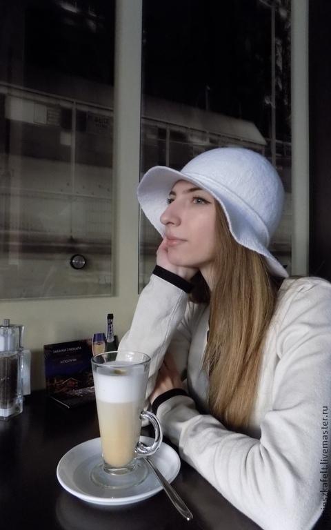 Шляпка `Би-Би`. Мастер Дементьева Виктория.