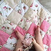 Работы для детей, ручной работы. Ярмарка Мастеров - ручная работа Конверт на выписку для новорожденного. Лоскутное одеяло с плюшем минки. Handmade.