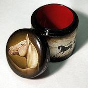 Картины и панно ручной работы. Ярмарка Мастеров - ручная работа шкатулка Ахалтек (лошадь, шкатулка Федоскино). Handmade.