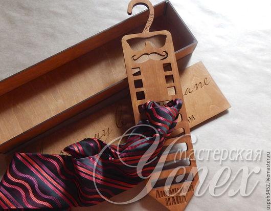 Галстуки, бабочки ручной работы. Ярмарка Мастеров - ручная работа. Купить Вешалка для галстуков и бабочек. Handmade. Комбинированный, бабочка