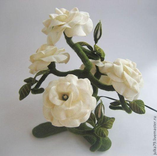 Освещение ручной работы. Ярмарка Мастеров - ручная работа. Купить Светильник куст розы. Handmade. Белый, куст розы, felting