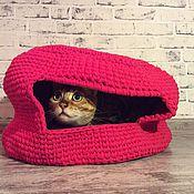 Для домашних животных, ручной работы. Ярмарка Мастеров - ручная работа Вязаный КОТОдом Kozaa`s Bags for pets, цвет малина. Handmade.