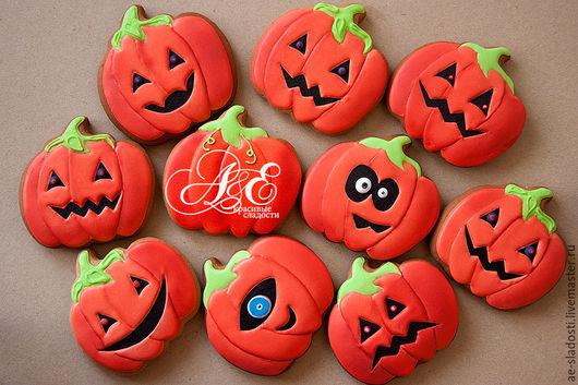 """Подарки на Хэллоуин ручной работы. Ярмарка Мастеров - ручная работа. Купить Пряник """"Тыква на хеллоуин"""". Handmade. Рыжий, Подарок на Хеллоуин"""