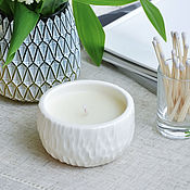 Свечи ручной работы. Ярмарка Мастеров - ручная работа Ароматическая свеча в керамике (кокосовый воск) // Бамбук и кокос. Handmade.