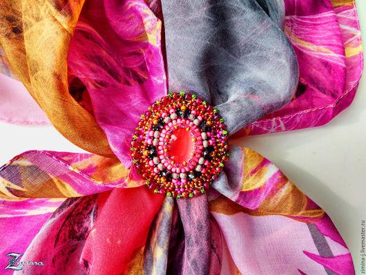 Zimina. Брошь-зажим  `Монпансье`. Украшение для платка. Украшение для шарфа. Яркая брошь. Розовый и серый. Розово-серый. Розовый. Коралловый. Зажим для платка. Зажим для шарфа.