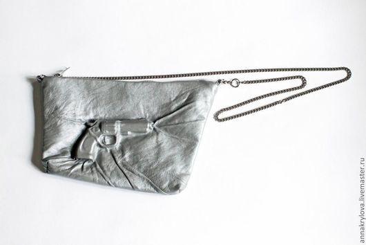 """Женские сумки ручной работы. Ярмарка Мастеров - ручная работа. Купить Сумка из натуральной кожи """"Светло-серебряный револьвер"""" с эффектом 3D. Handmade."""