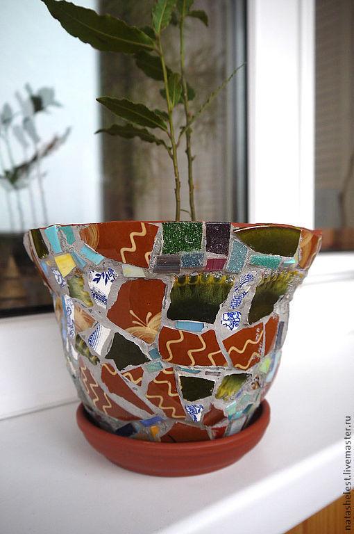 Мозаичный цветочный горшок. Наталья Шестакова- дизайнер, декоратор.