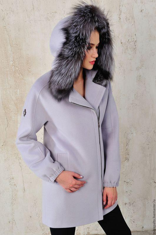 Верхняя одежда ручной работы. Ярмарка Мастеров - ручная работа. Купить Зимнее пальто с капюшоном с черно-бурой лисой. Handmade.
