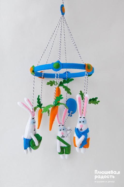 """Подарки для новорожденных, ручной работы. Ярмарка Мастеров - ручная работа. Купить Мобиль из фетра """"Братья кролики"""". Handmade. Белый, для детей"""
