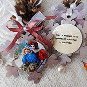 """Подарки к праздникам ручной работы. Ярмарка Мастеров - ручная работа """"Снежинки с пожеланиями"""" - елочные украшения новогодние подарки винтаж. Handmade."""