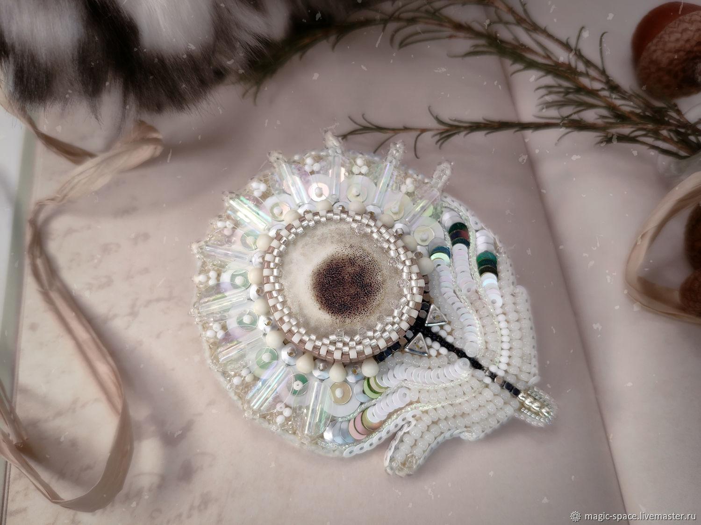 Брошь белое перо из бисера и пайеток, Брошь-булавка, Санкт-Петербург,  Фото №1