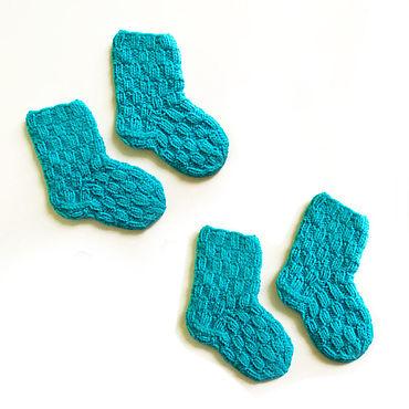 Товары для малышей ручной работы. Ярмарка Мастеров - ручная работа Ярко-голубые вязаные носочки для детей. Handmade.