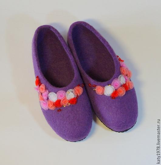 """Обувь ручной работы. Ярмарка Мастеров - ручная работа. Купить Тапочки валяные """"Розовый сад"""", из серии """"Детские ножки. Для девочек"""". Handmade."""