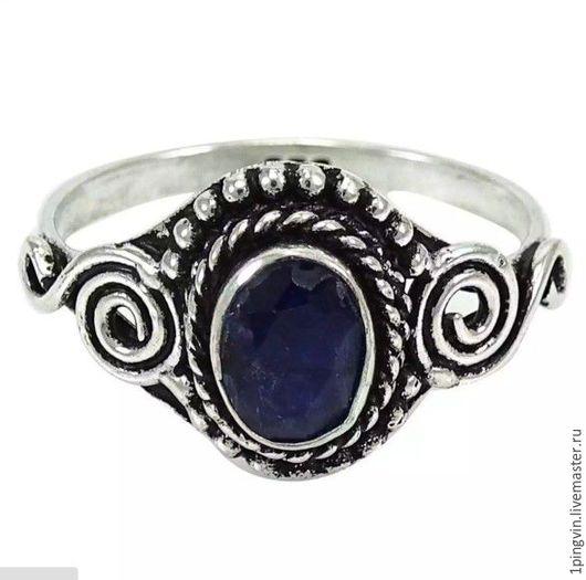 Кольцо с сапфиром ручной работы