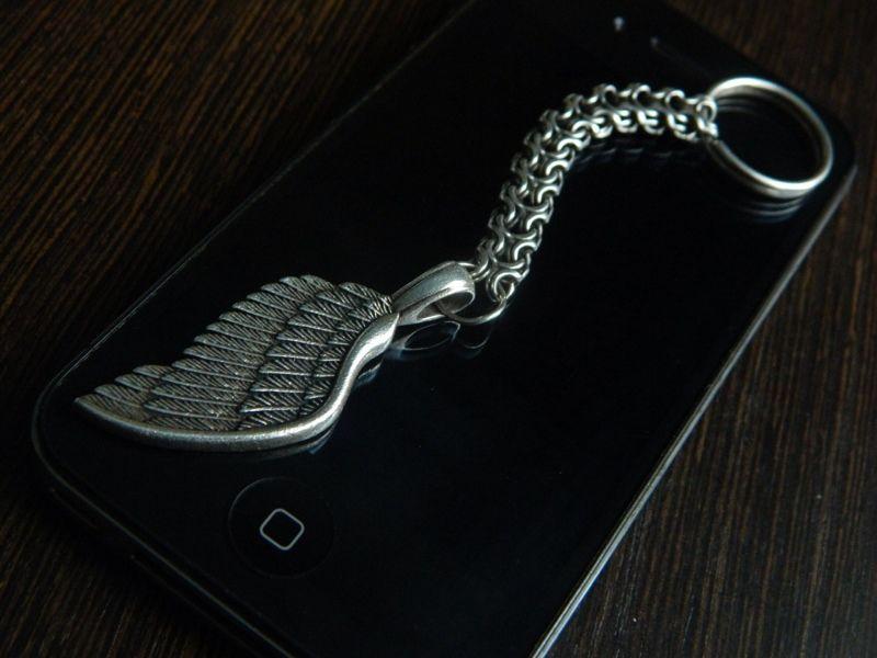 Серебряный брелок для ключей