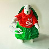 Куклы и игрушки ручной работы. Ярмарка Мастеров - ручная работа Новогодняя Зайка с елочной игрушкой Лошадкой, символом 2014 года.. Handmade.