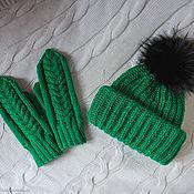 Аксессуары ручной работы. Ярмарка Мастеров - ручная работа Зеленый комплект Шапка Такори с помпоном и варежки. Handmade.
