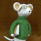 Куклы и игрушки ручной работы. Ярмарка Мастеров - ручная работа Мышь ученый (подарок ко дню учителя). Handmade.