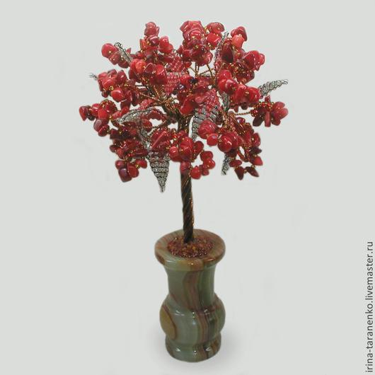 Дерево из коралла `Остров любви` в вазочки из оникса