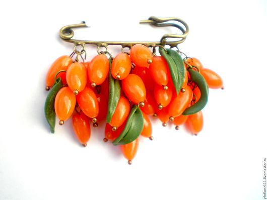 """Броши ручной работы. Ярмарка Мастеров - ручная работа. Купить брошь """"Облепиха"""". Handmade. Оранжевый, брошь ручной работы"""