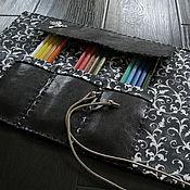 Канцелярские товары ручной работы. Ярмарка Мастеров - ручная работа Пенал темно-коричневый из искусственной кожи. Handmade.