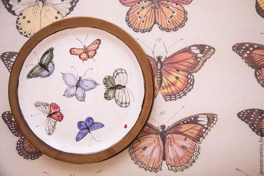 Тарелки ручной работы. Ярмарка Мастеров - ручная работа. Купить Пёстрые бабочки. Блюдо керамическое.. Handmade. Керамика, тарелка с росписью