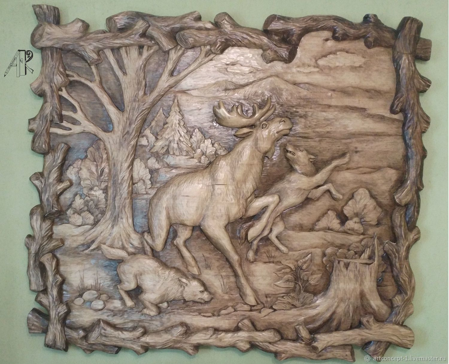 Carved wooden panel high relief on the wall 'Wolf hunt', Pictures, Ryazan,  Фото №1