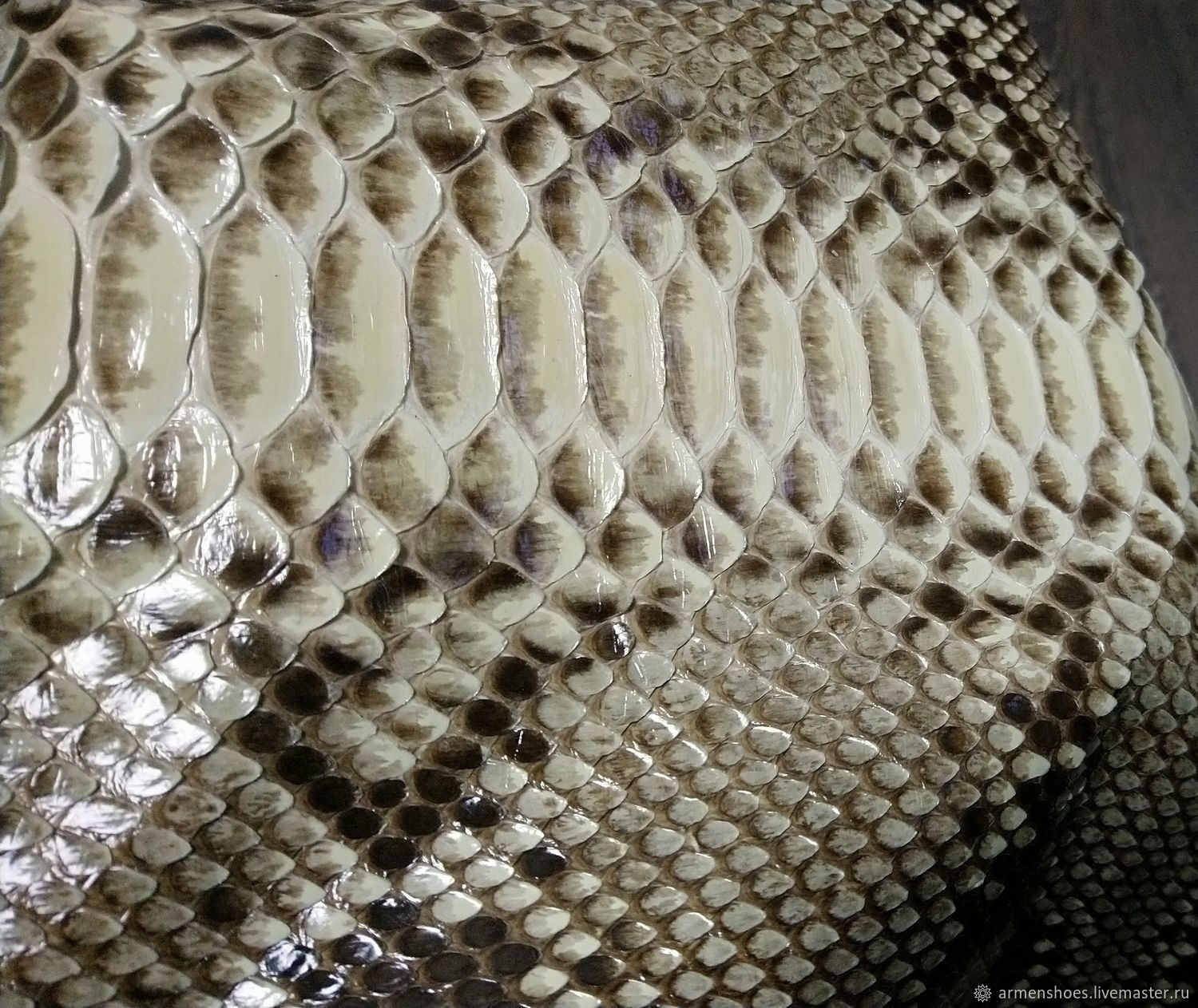 Python skin, natural shade, floor gloss finish, Leather, Tosno,  Фото №1
