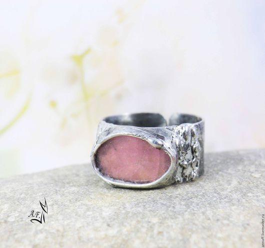 """Кольца ручной работы. Ярмарка Мастеров - ручная работа. Купить """"Жизнь в розовом цвете"""" -  кольцо с розовым кварцем. Handmade."""