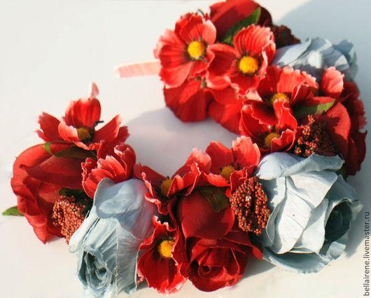 Диадемы, обручи ручной работы. Ярмарка Мастеров - ручная работа. Купить Ободок из роз, ягодок, космеи. Handmade. Ободок для волос