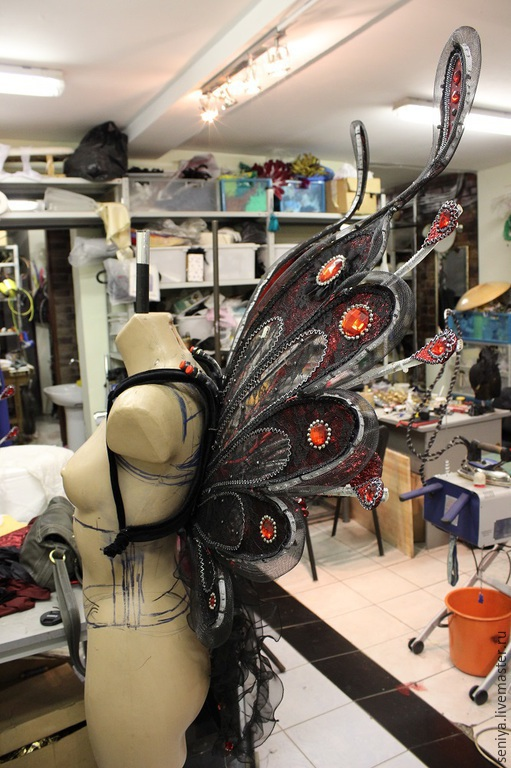 Карнавальные костюмы ручной работы. Ярмарка Мастеров - ручная работа. Купить Крылья и диадема для шоу-балета. Handmade. Разноцветный, для фотосессий