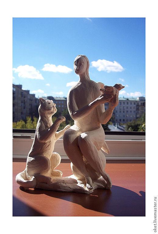 """Статуэтки ручной работы. Ярмарка Мастеров - ручная работа. Купить Статуэтка на заказ """"Ангел оберегает птичку от Кота"""" керамическая. Handmade."""